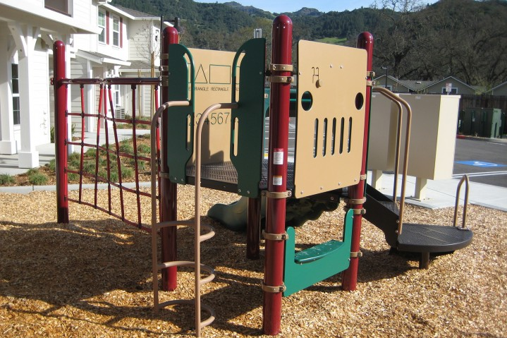 Palisades play structure