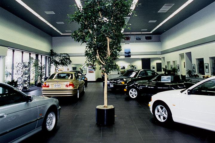 Sonnen BMW floor room