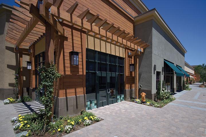 Alameda town center trellis