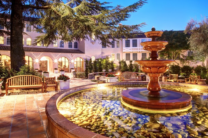 Fairmont Sonoma Mission Inn Fountain and entry way
