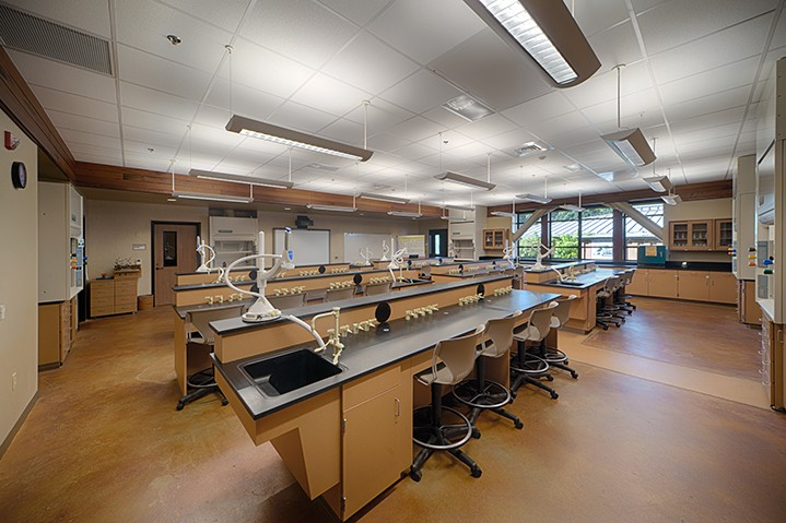 College of the Redwoods science lab